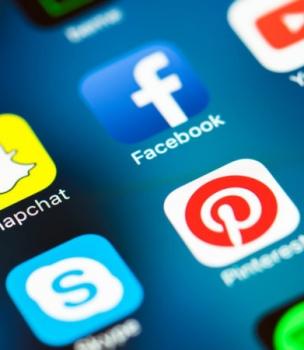 Tényleg halott a Facebook? És akkor mégis mit használnak a 15–29 éves magyar fiatalok?